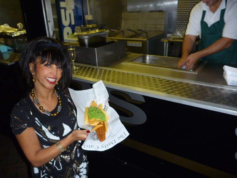 10 Reasons to hire a fish and chip van and ditch the buffet